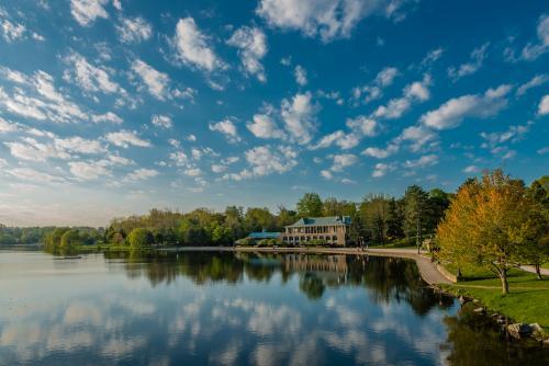 Hoyt Lake, Delaware Park