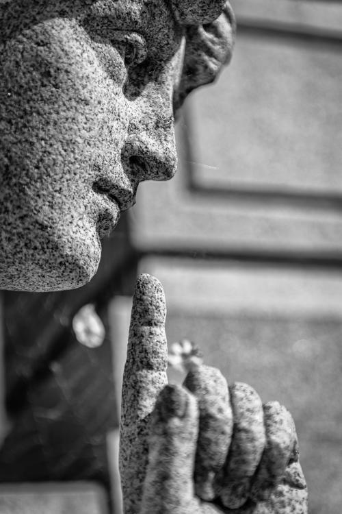 0017-Statues