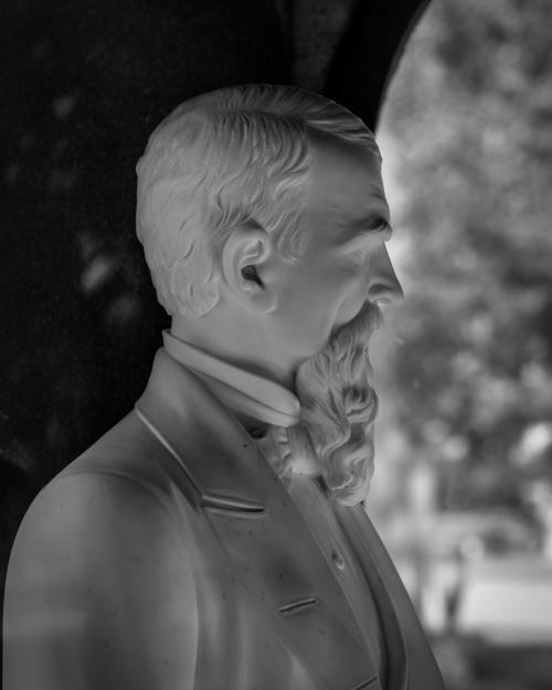 0023-Statues