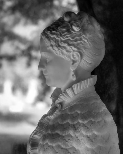0024-Statues
