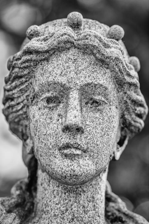 0025-Statues
