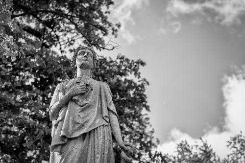 0027-Statues