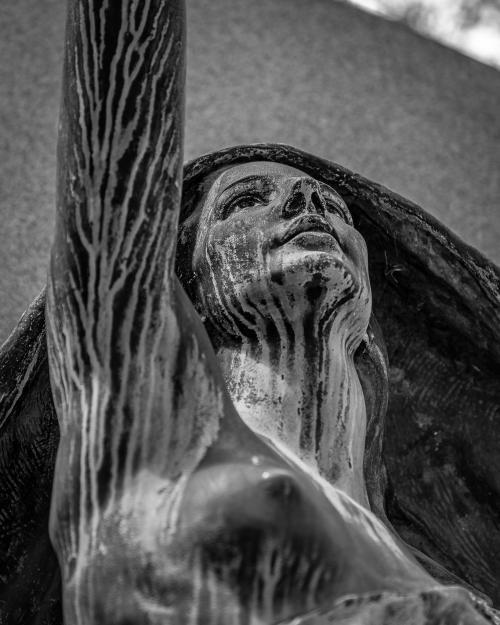 0052-Statues