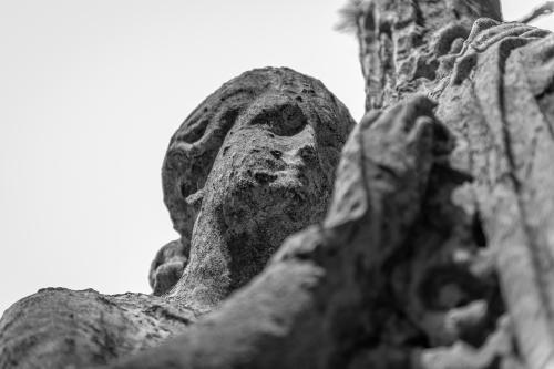 0081-Statues