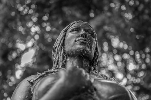 0095-Statues