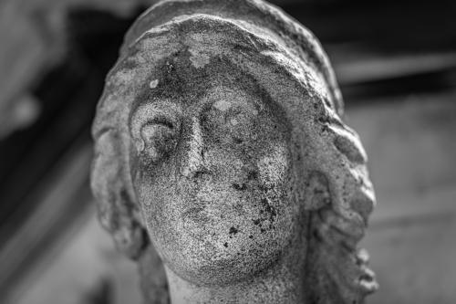 0100-Statues
