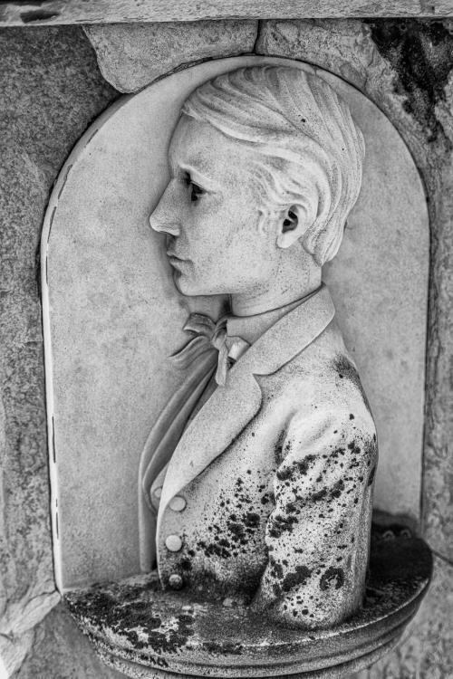 0111-Statues