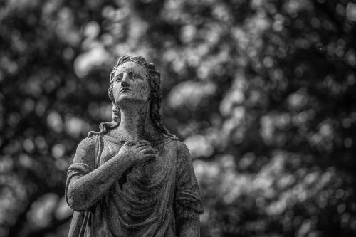 0123-Statues